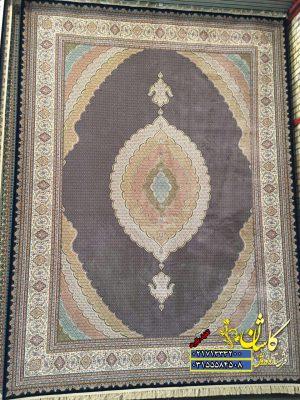 قیمت فرش کاشان ۱۲۰۰ شانه طرح ماهی سرمه ای